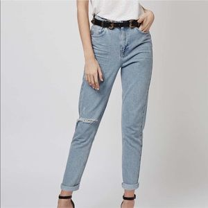 • [topshop] light wash moto mom jeans •